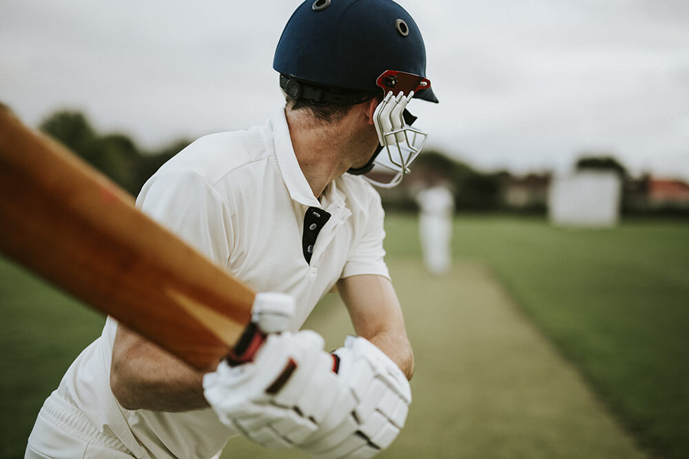 How to bat in Cricket?